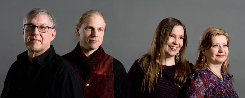 Johanna ja Mikko Iivanainen Maria Kalaniemi Timo Alakotila_(c) Tanja Ahola_820_330.jpg